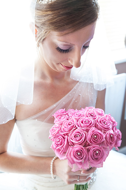 Bride with bouquet - Issi Greig Wedding Photography
